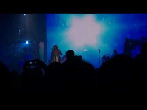 Martina McBride - Let It Snow, Let It Snow, Let It Snow @ Hobart Arena (11.29.17)