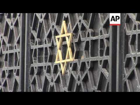 Sephardic Jews learn Spanish to earn Spanish passport
