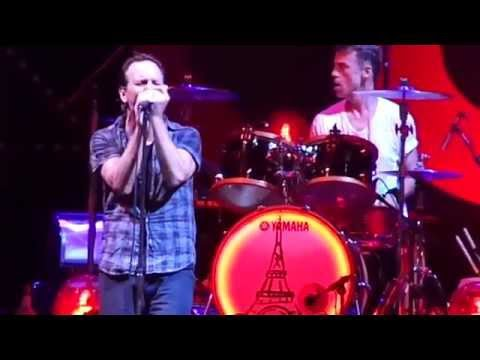 Pearl Jam - Black (Live at Maracanã Stadium)
