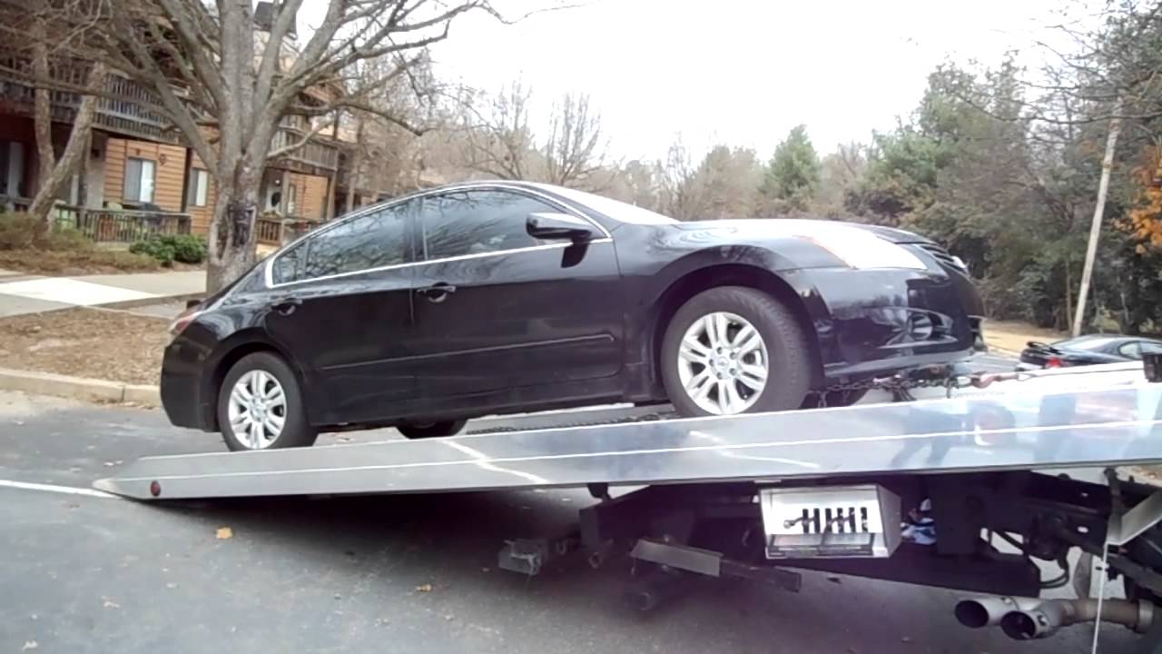 Nissan Altima: Towing recommended by NISSAN
