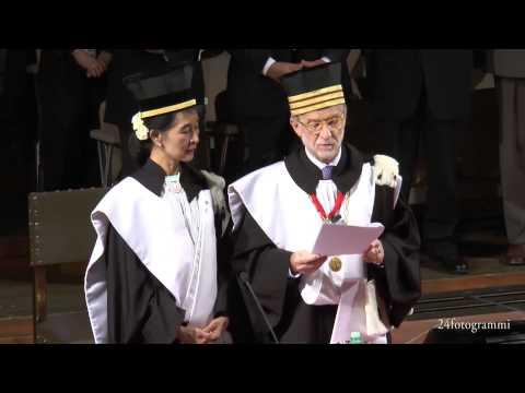 AUNG SAN SUU KYI RICEVE LA LAUREA AD HONOREM ALL'ALMA MATER STUDIORUM.