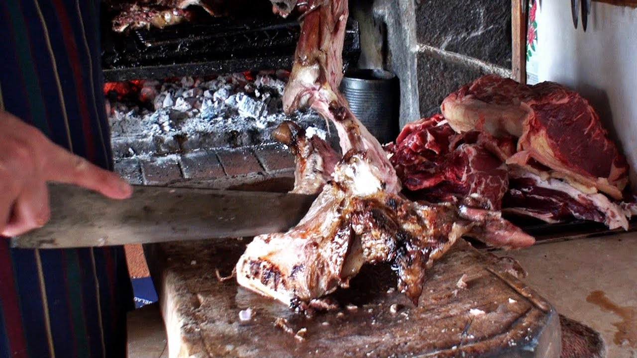 Parrillada argentina de cordero preparaci n de la carne - Parrilla de la vanguardia ...