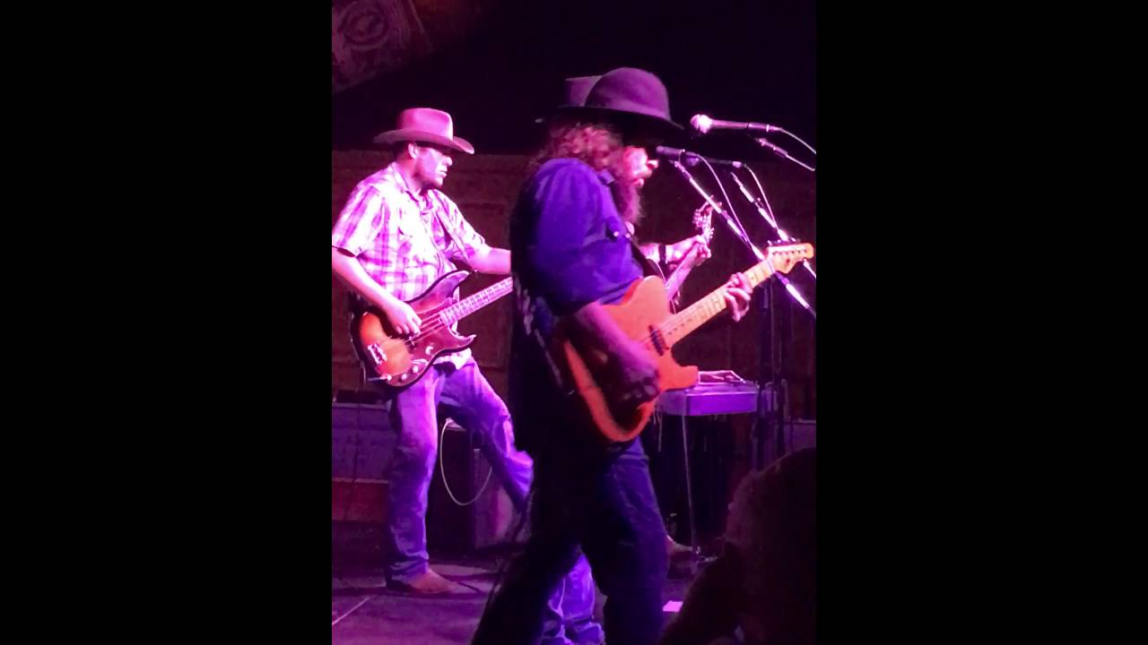 Cody Jinks Hippies And Cowboys Live At Electric Cowboy Of Longview Tx 8 27 16
