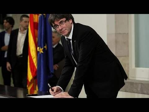 Catalan leaders sign declaration of independence