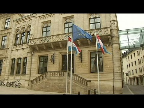 Luxembourg votes for no change to electoral role