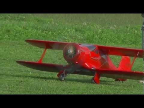 "Beechcraft ""Staggerwing"" di Giacomo Mazzari"