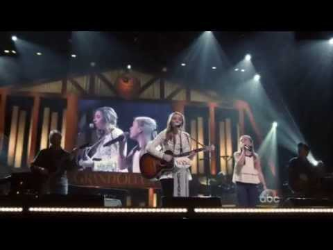"Nashville 3x15 :: Maddie & Daphne ""Light It Back Up (Heart On Fire)"" [Stella Sisters]"