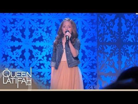 Lexi Walker Performs