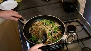 Quick Meals: Thai Recipes - Thai Chicken Noodles Recipe