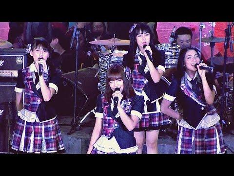 JKT48 Team T - 365 Nichi no Kamihikouki #MoshiMoshi