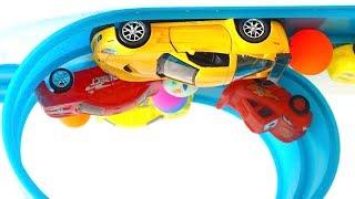 Распаковываем игрушки для детей  Машинки и Гонки  Набор машинок Хотвилс и трек Умная Дорога  Видео