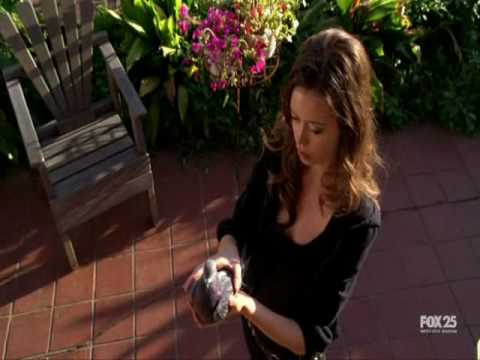 Summer Glau kills a sweet pigeon with her bare hands!