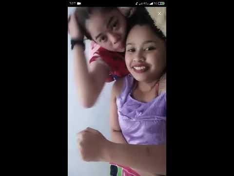 Pasangan Lesbi Lagi Asyik Bermesraan Di Bigo Live