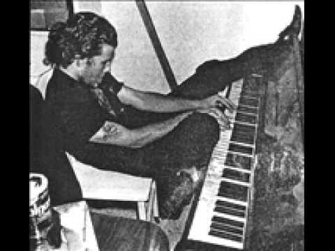 Virginia Avenue - Tom Waits (KPFK Folk Scene 1973)