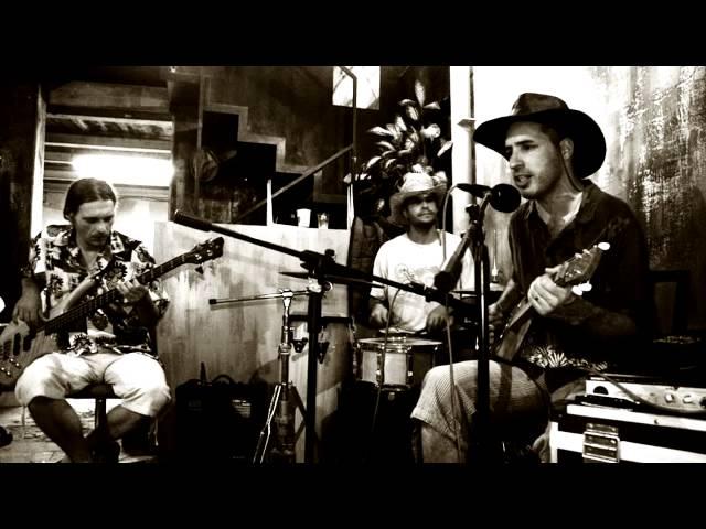Catfish Blues - Lester Wires (Studio Version)