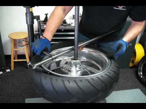 Changing A Wide Rear Tire With No Mar Changer