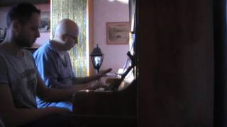 Robbie Williams | Party Like A Russian - Official Video (piano duet)