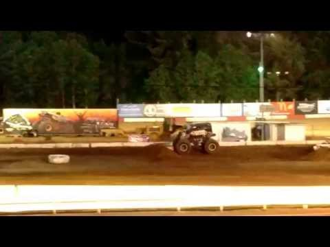 'California Kid' Freestyle @ Coos Bay Speedway 2016 Monster Truck Rally!