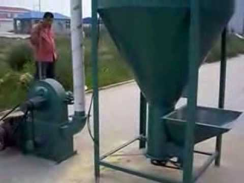 Animal feed vertical type crusher and mixer Felicia