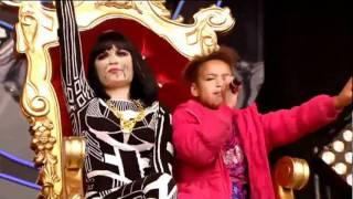 Repeat youtube video Jessie J - Price Tag (Live Glastonbury 2011)