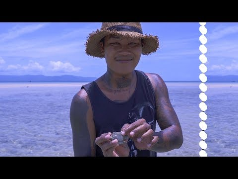Catch N' Cook Crab In Paradise | Bloody Fingers | Thailand