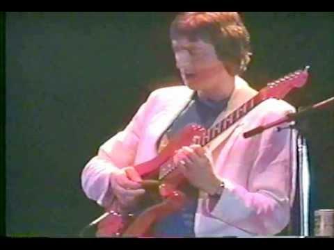 Allan Holdsworth  in Tokyo 1984 + Interviews