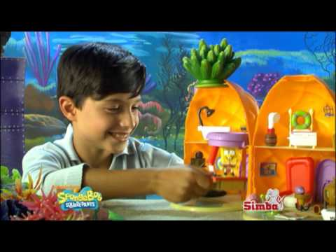 Smyths Toys - SpongeBob SquarePants Pineapple Playset
