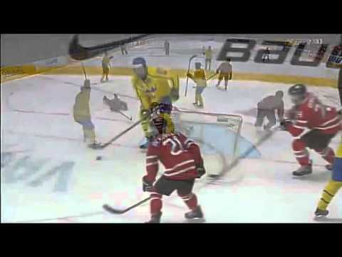 Sweden Shoots The Puck Through Net 3 Times vs Canada