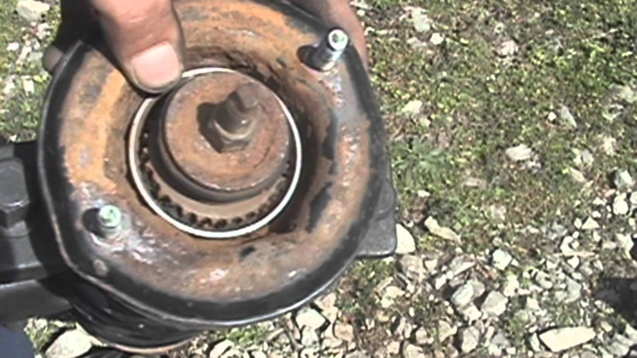 1995-2003 Nissan Maxima: Rear strut replacement - YouTube