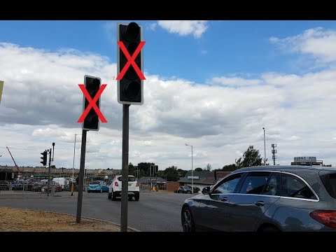 TRAFFIC LIGHT FAILURE! But does traffic flow better?