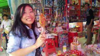 Chinese Girl Tries American SNACK FOODS