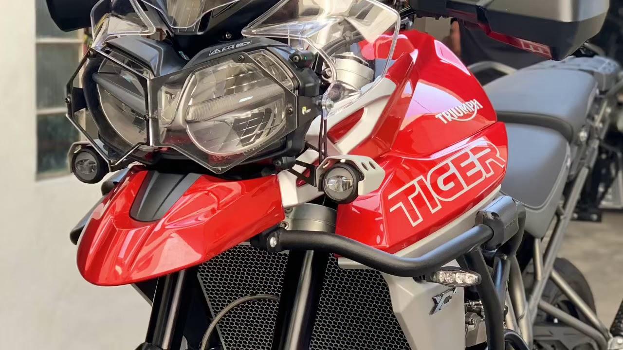 Two Wheelin: Triumph Tiger 800XC - YouTube
