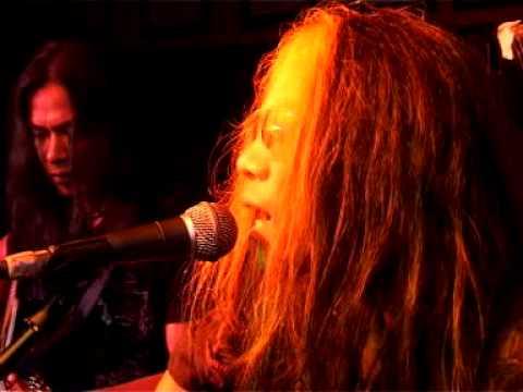 May - Ku Dalam Delima (Live & Unplugged Planet Hollywood)