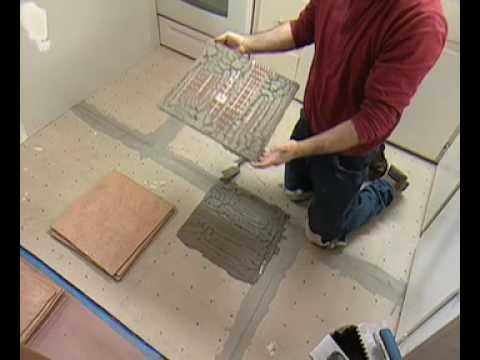 C mo instalar losas en el piso de una cocina parte 2 for Pisos para cocina