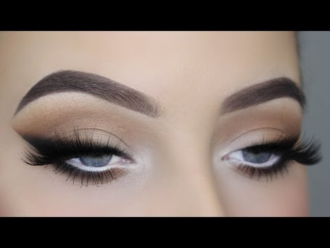 Smoked Out Winged Liner Tutorial thumbnail