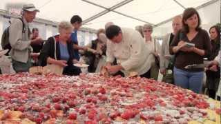 Lew's News Extra - Devon County Show 2011, Devonshire Cream Tea's 8ft Scone