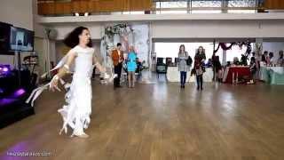 красивый танец. выступление на 1 фестивале