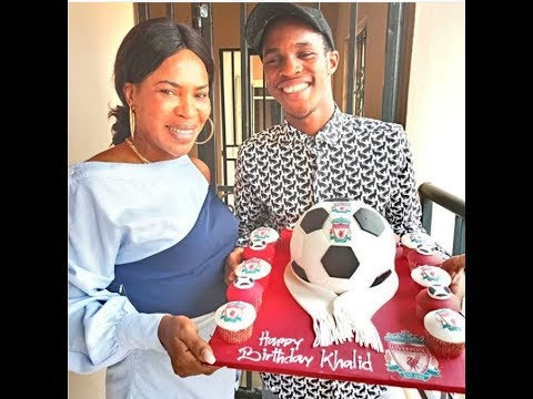 Caring Mom! Fathia Williams Kiss And celebrate her handsome son On His birthday thumbnail