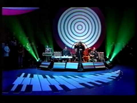 The Flaming Lips - Waitin' For A Superman (live on Later)