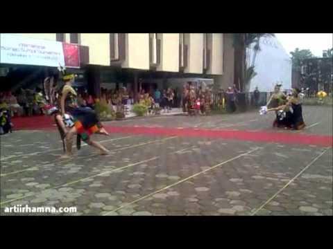 International Borneo Sumpit Tournament (IBoST) 2012 ¦¦ Tari Dayak Kalbar Sumpit