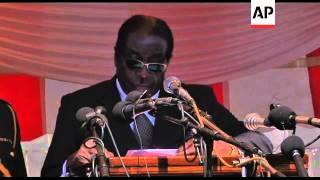 Video Mugabe and Tsvangirai at funeral of general Mujuru download MP3, 3GP, MP4, WEBM, AVI, FLV Oktober 2018