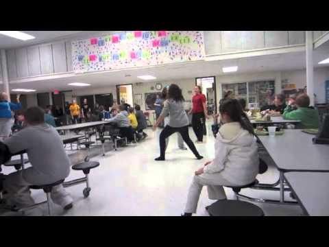 Mid-Prairie Middle School 8th Grade Flashmob