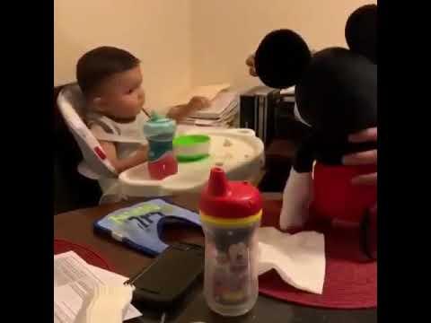 Как заставить ребенка есть 😀😀😀