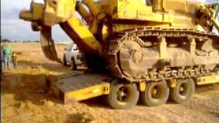 Descargando bulldozer FiatAllis HD31 Unloading a HD31 dozer