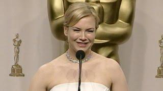 Renée Zellweger @ The Academy Awards 2004