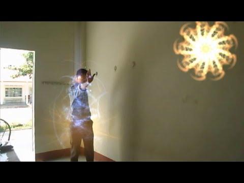 """Thử làm """"Siêu nhân"""", biến hóa, thổi ra lửa, cháy nổ (Particle illusion)"""
