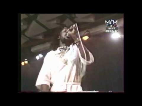 Peter Tosh ao vivo no Montreal Jazz Festival - 1979 (Show Completo) HD