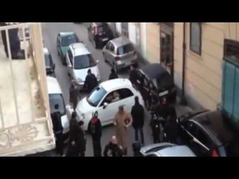 Italian driver's parking attempt brings Naples street to a guffawing standstill - Quite surreal!