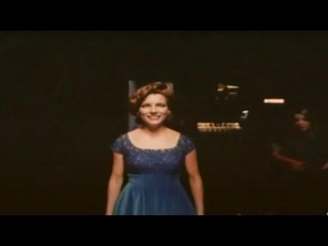 Martina McBride  Walkin After Midnight