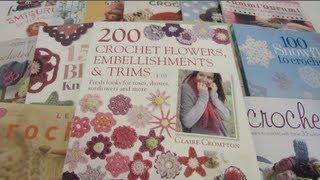 My Crochet Book Collection مجموعتي من كتب الكروشيه